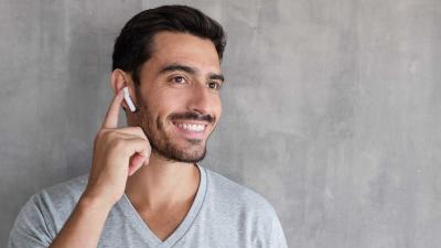 Guía de audífonos inalámbricos: ¿cómo elegir auriculares según tu estilo?