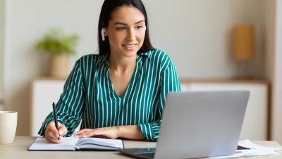 ¿Cómo elegir una laptop para estudiar o trabajar desde casa?
