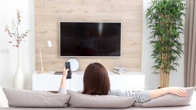 ¿Cómo ubicar correctamente el televisor en casa?